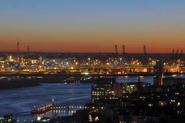 Hamburg Bei Nacht Wolkenmond Unterwegs Mein Fotoblog